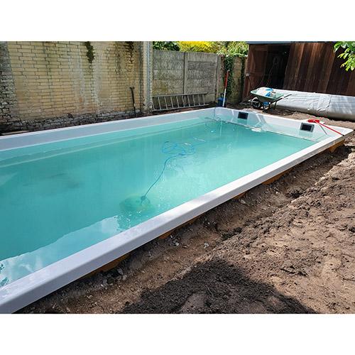 aanleg polyester zwembad
