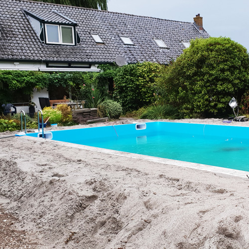 bouwkundig zwembad 5 x 10 meter zwembad bijna klaar