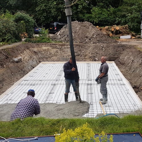 bouwkundig zwembad 5 x 10 meter storten betonvloer