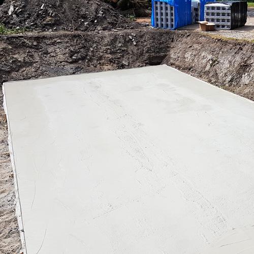 bouwkundig zwembad 5 x 10 meter strakke waterpas betonvloer