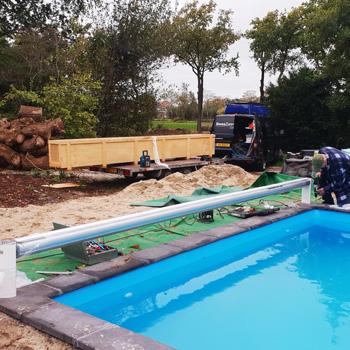 bouwkundig zwembad met lamellenafdekking 3