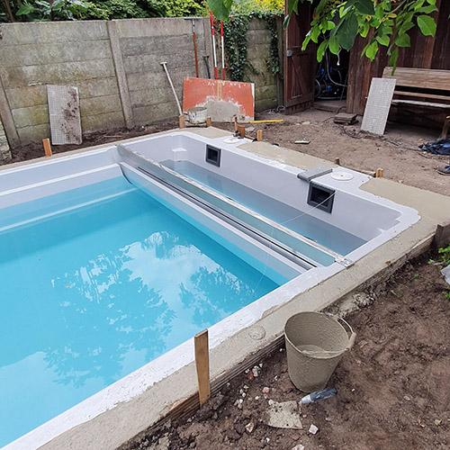 fundatie randstenen voor polyester zwembad