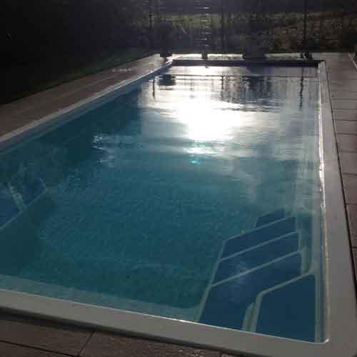 geintegreerde-inlooptrap-polyester-zwembad