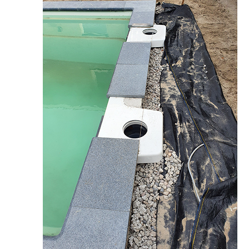 fundatie randstenen polyester zwembad