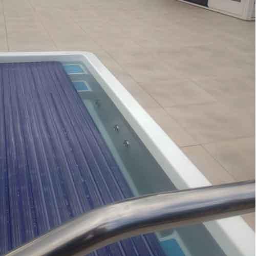 polyester-zwembad-met-lamellendek