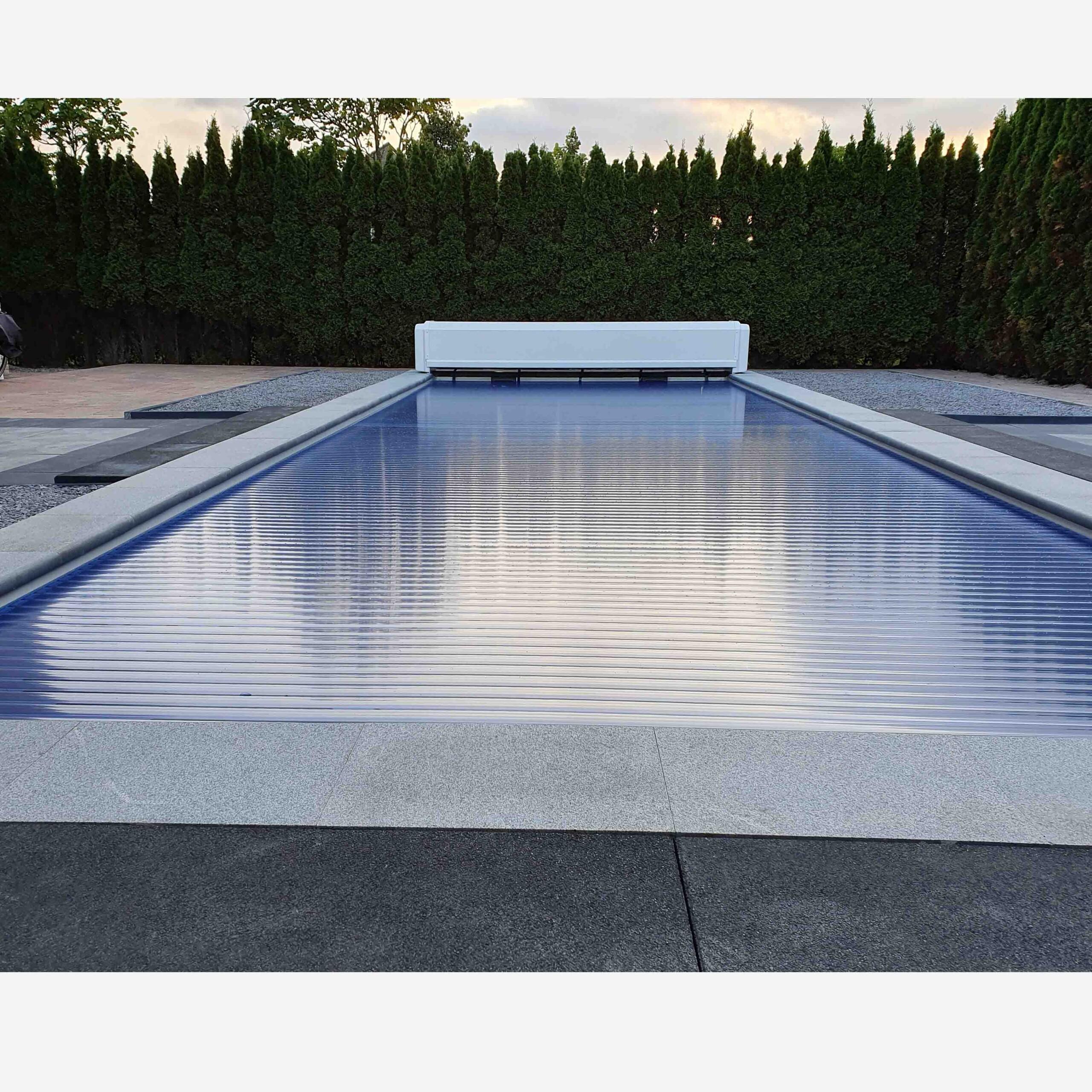 aanleg polyester zwembad 10 meter