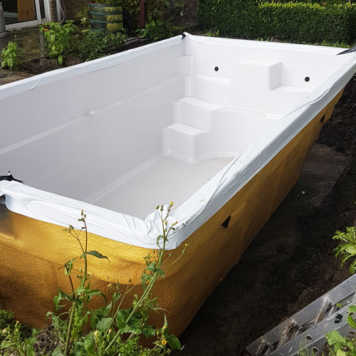 zwembad project warmenhuizen plaatsing zwembad op betonvloer 2